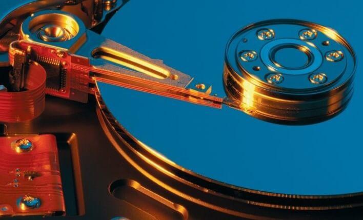 На выбранном диске находится таблица MBR-разделов