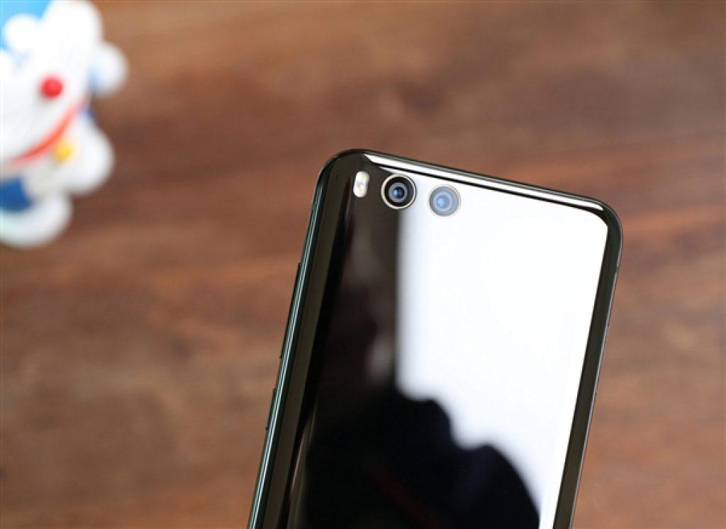 Вид сзади Xiaomi Mi6