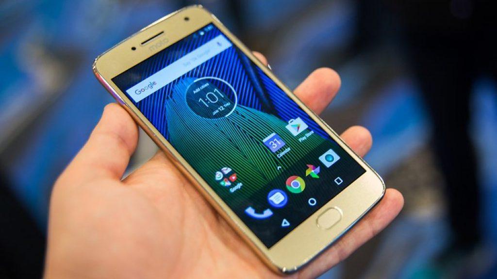 Стильный смартфон Moto G5 Plus