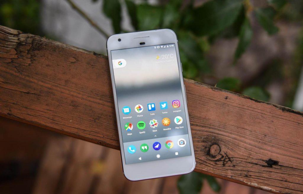Google Pixel вид спереди