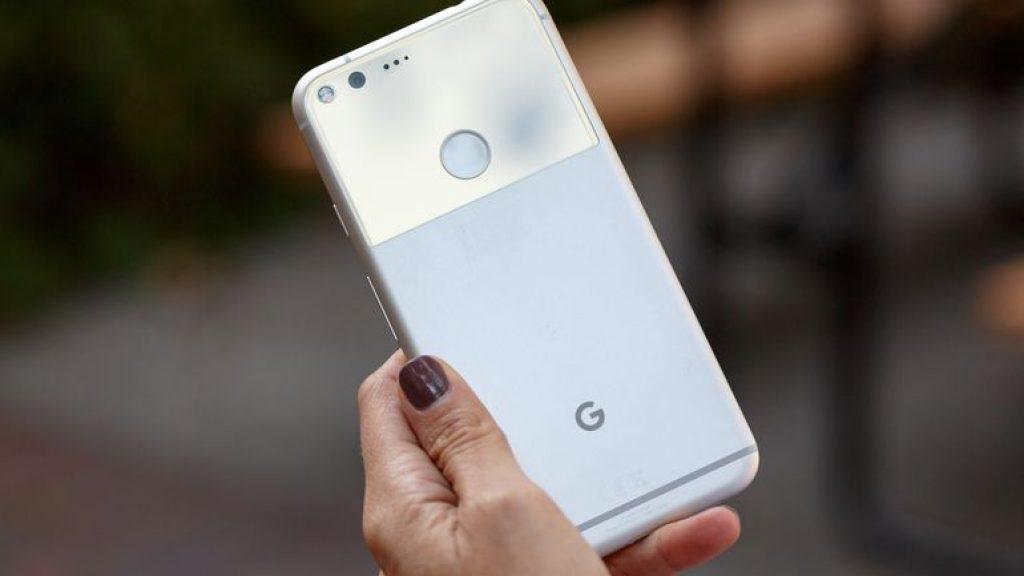 Google Pixel вид сзади