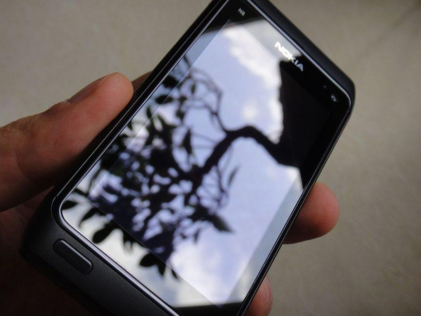 Использование Gorilla Glass для телефона Nokia