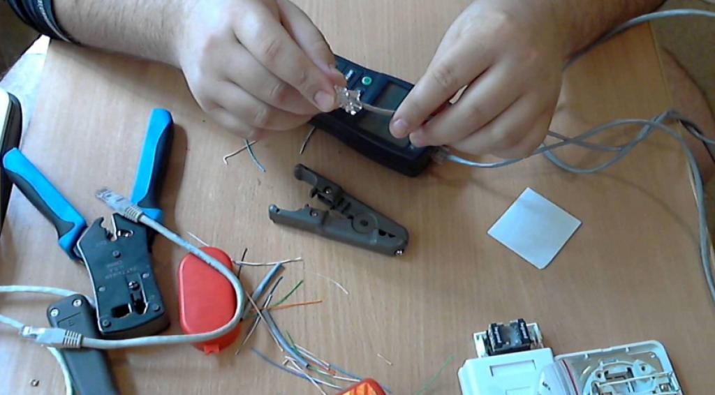 Работа с кабелем и коннектором