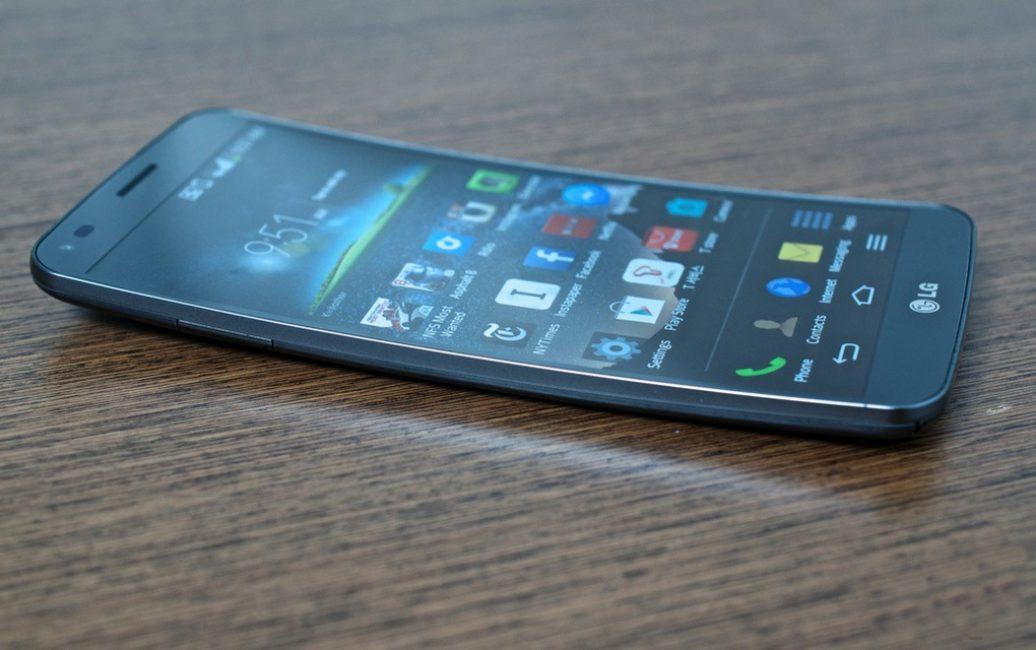 ТОП-10 смартфонов с изогнутым экраном