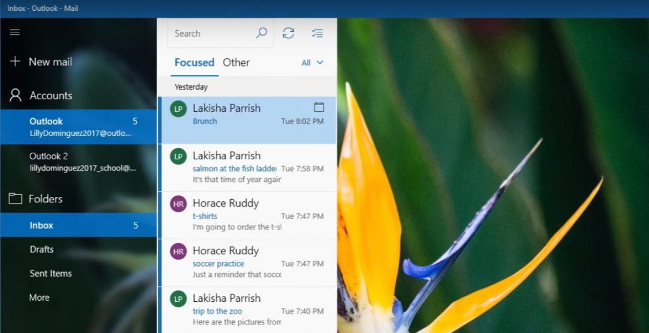Прозрачность в окнах и меню, которая красиво выглядела в Windows 7, вернулась в Windows 10