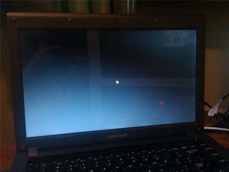При загрузке черный экран