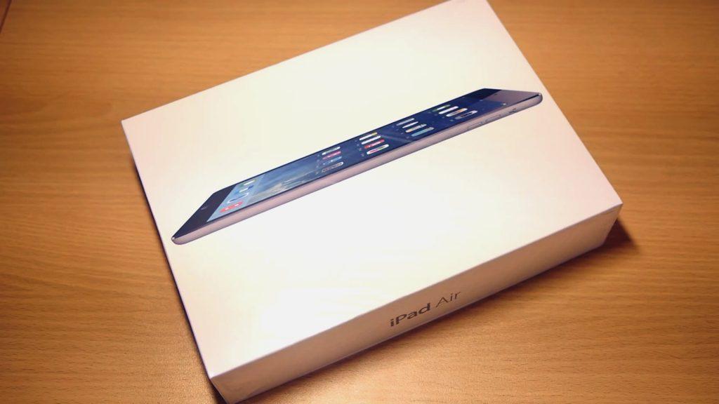 Коробка с планшетом