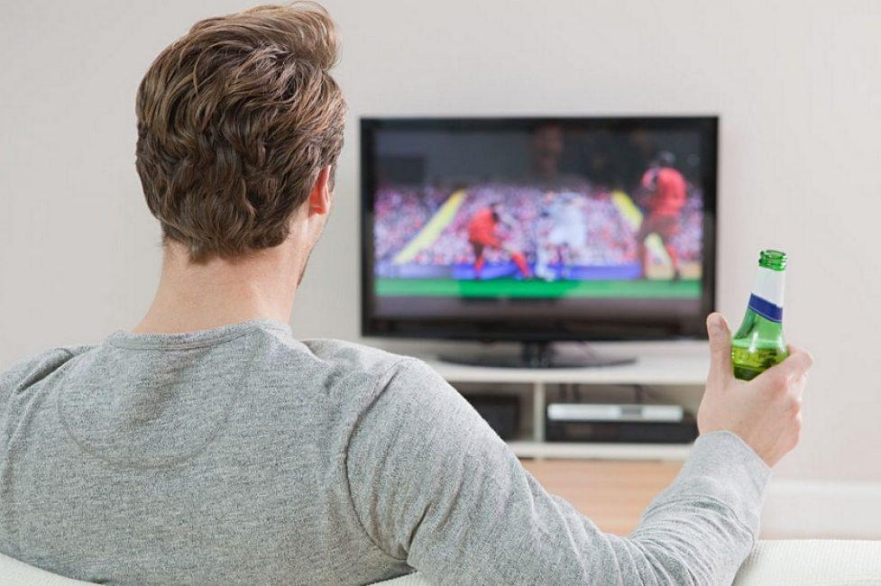 Иногда хочется окунуться вностальгию- провести досуг за просмотром телепередачи.