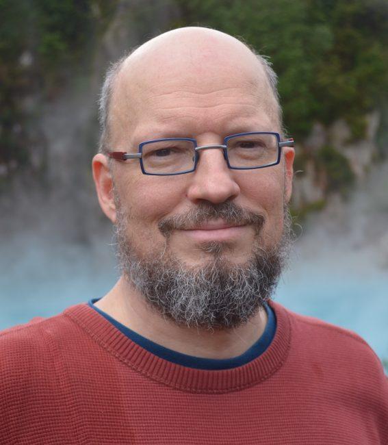 Майкл Болтон – более 20 лет опыта работы в тестировании, стал автором огромного количества профессиональных материалов, регулярный лектор на конференциях.