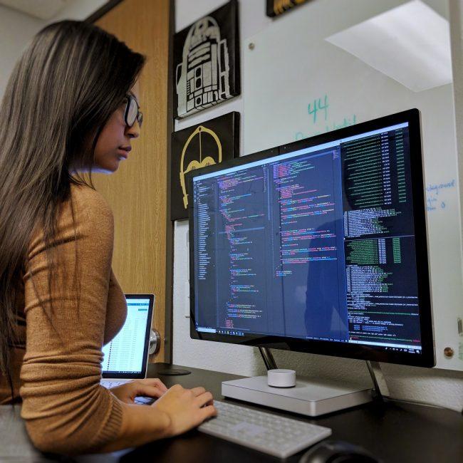 Ученье в программировании — это практика, но не только. Пишите код как можно больше, как можно чаще, вносите в код правки столько, сколько требуется. И читайте чужой код как можно чаще, учитесь делать и это тоже. Следите за балансом теории и практики в обучении
