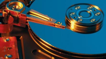 На выбранном диске находится таблица MBR-разделов: Что делать?
