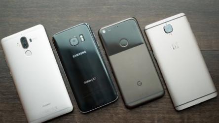 Наш ТОП-15: Лучшие смартфоны лета 2017 года
