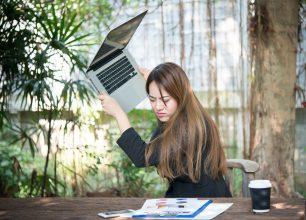 Появились полосы на экране ноутбука — 5 главных проблем и способы их устранения