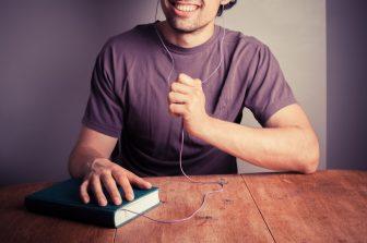 Программы для Чтения Книг Голосом: 10 Лучших «Читалок» Онлайн
